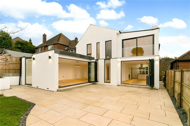 Guide Price £795,000, 5 Bedroom Detached House For Sale in High Wycombe, HP13