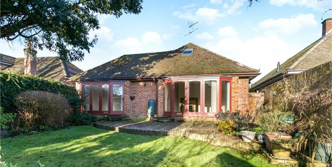 Guide Price £850,000, 4 Bedroom Bungalow For Sale in Marlow, SL7