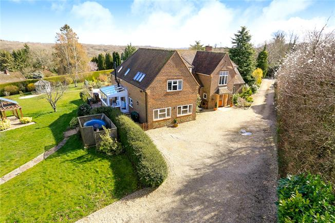 Guide Price £1,500,000, 5 Bedroom Detached House For Sale in Frieth, RG9