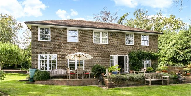 Guide Price £1,425,000, 4 Bedroom Detached House For Sale in Buckinghamshire, SL7