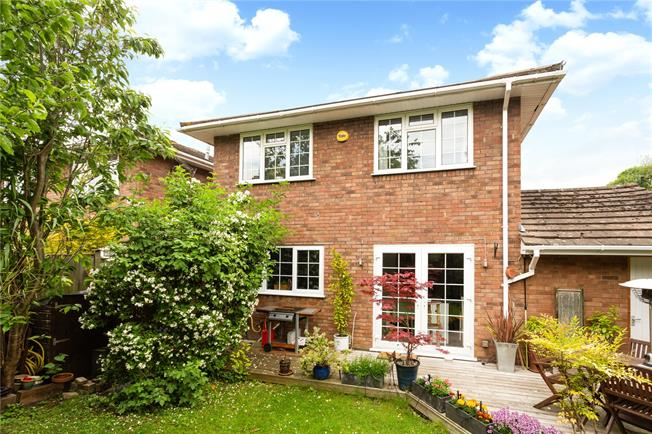 Offers in excess of £600,000, 4 Bedroom Detached House For Sale in Bourne End, SL8