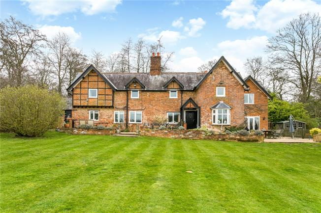 Guide Price £1,485,000, 4 Bedroom Detached House For Sale in High Wycombe, Buckinghams, HP14