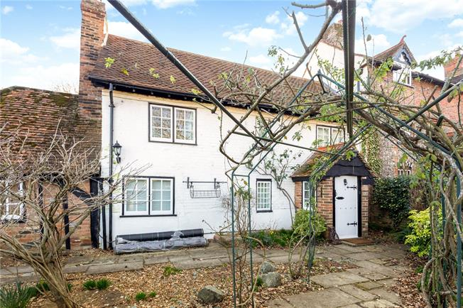Guide Price £625,000, 3 Bedroom Semi Detached House For Sale in Henley Road, Hurley, SL6