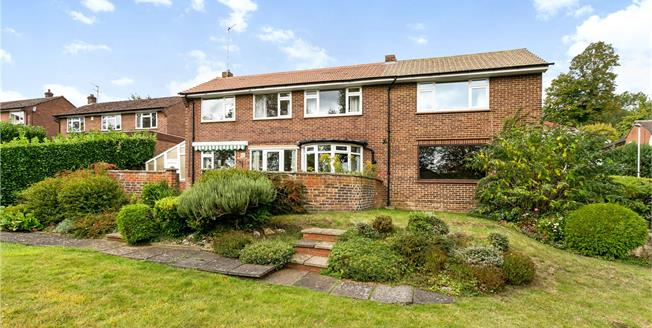 Guide Price £1,150,000, 4 Bedroom Detached House For Sale in Buckinghamshire, SL7