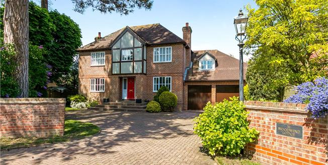 Asking Price £1,500,000, 5 Bedroom Detached House For Sale in Marlow, SL7