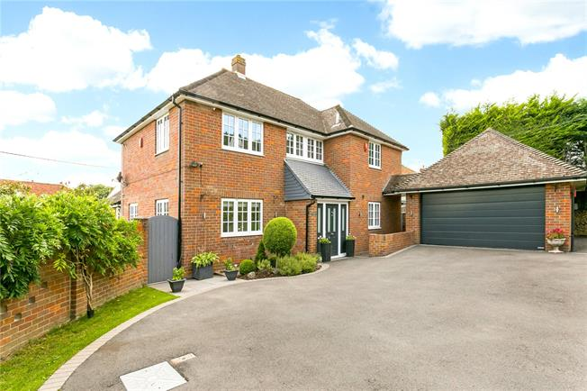 Guide Price £1,250,000, 4 Bedroom Detached House For Sale in Buckinghamshire, SL7