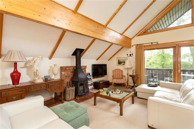 Asking Price £415,000, 2 Bedroom Detached House For Sale in Marlow, SL7