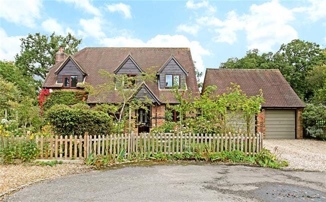 Guide Price £750,000, 4 Bedroom Detached House For Sale in Cold Ash, RG18