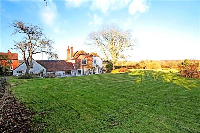Guide Price £635,000, 4 Bedroom Detached House For Sale in Berkshire, RG20