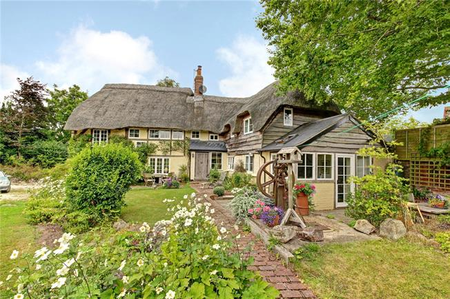 Guide Price £585,000, 4 Bedroom Detached House For Sale in Letcombe Bassett, OX12