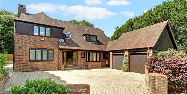 Guide Price £995,000, 4 Bedroom Detached House For Sale in Newbury, Berkshire, RG14