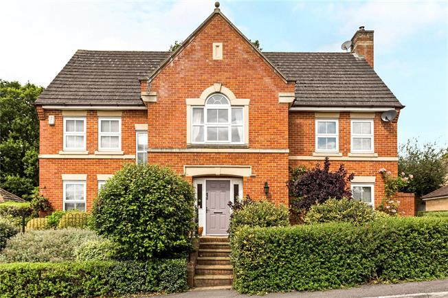 Guide Price £849,000, 5 Bedroom Detached House For Sale in Newbury, RG20