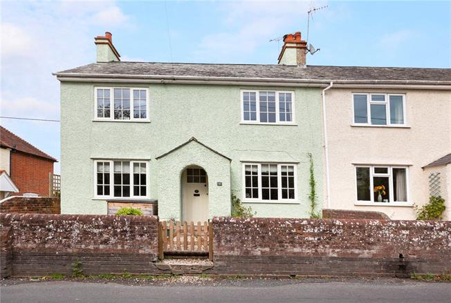 Guide Price £375,000, 3 Bedroom Semi Detached House For Sale in Hungerford, Berkshire, RG17