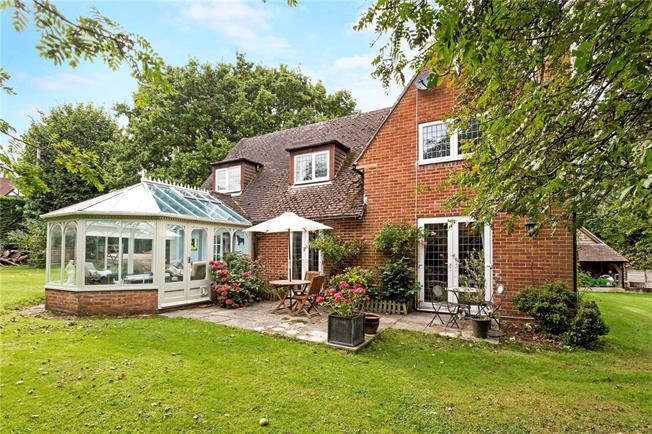 Guide Price £759,000, 4 Bedroom Detached House For Sale in Hungerford, Berkshire, RG17