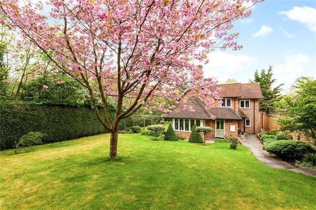 Guide Price £795,000, 4 Bedroom Detached House For Sale in Stockcross, RG20
