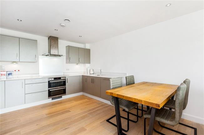 Offers in excess of £399,000, 2 Bedroom Flat For Sale in Newbury, Berkshire, RG14