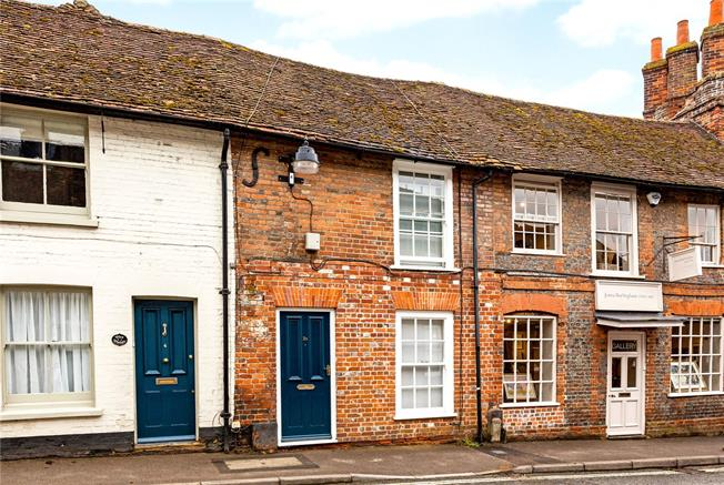 Guide Price £385,000, 3 Bedroom Terraced House For Sale in Kingsclere, RG20