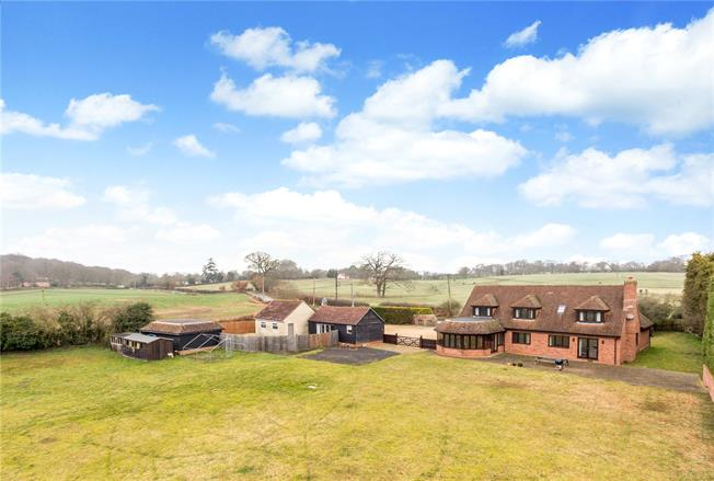 Guide Price £1,100,000, 5 Bedroom Detached House For Sale in Curridge, RG18