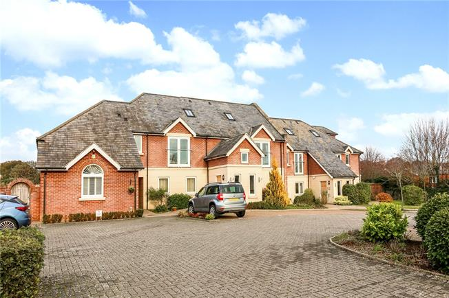 Guide Price £282,000, 2 Bedroom Flat For Sale in Shaw, RG14