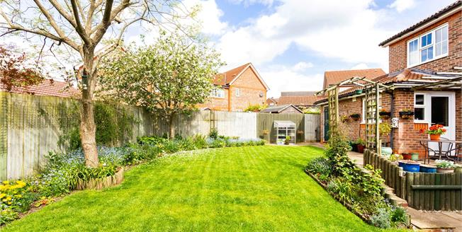 Offers in excess of £385,000, 3 Bedroom Detached House For Sale in Newbury, RG14