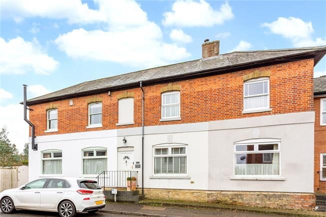 Asking Price £330,000, 3 Bedroom Terraced House For Sale in Kingsclere, RG20