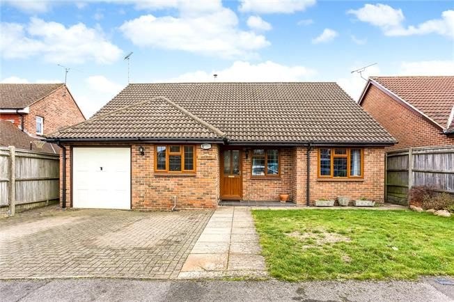 Asking Price £465,000, 3 Bedroom Bungalow For Sale in Hermitage, RG18