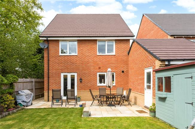 Asking Price £465,000, 4 Bedroom Detached House For Sale in Hermitage, RG18