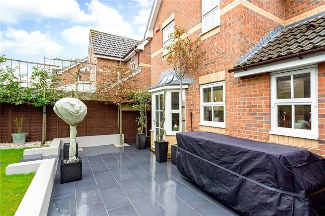 Asking Price £420,000, 3 Bedroom Detached House For Sale in Berkshire, RG18
