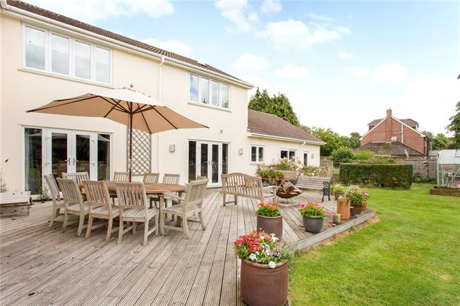Guide Price £1,150,000, 5 Bedroom Detached House For Sale in Peasemore, RG20