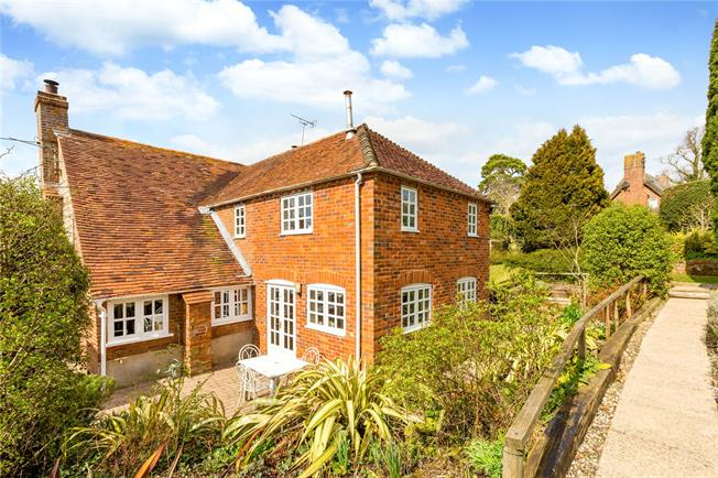 Asking Price £1,095,000, 3 Bedroom Detached House For Sale in Berkshire, RG8