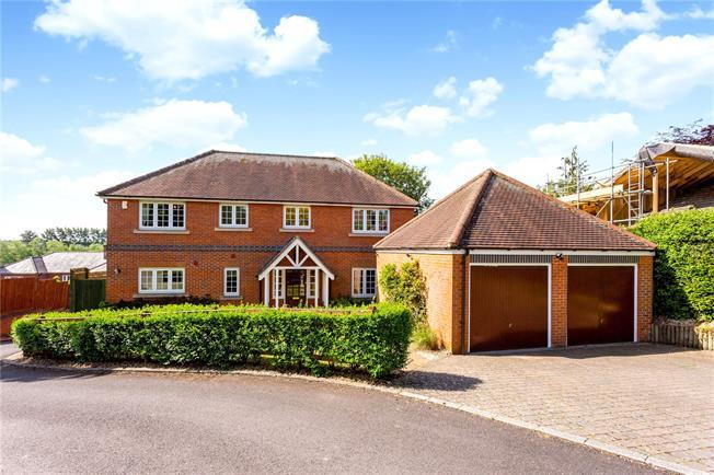 Guide Price £895,000, 5 Bedroom Detached House For Sale in Newbury, Berkshire, RG14