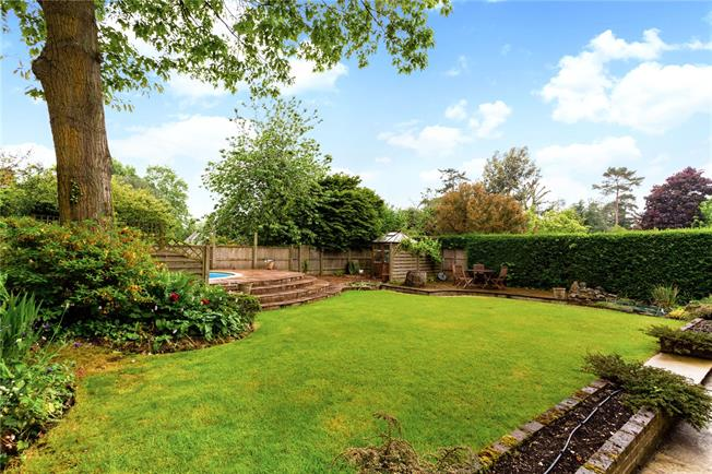 Asking Price £645,000, 4 Bedroom Detached House For Sale in Thatcham, Berkshire, RG18