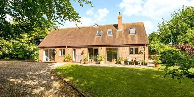 Guide Price £995,000, 5 Bedroom Detached House For Sale in Didcot, Oxfordshire, OX11