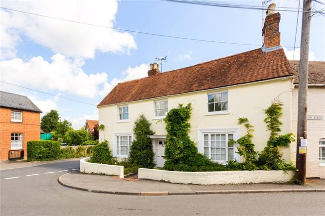Asking Price £1,000,000, 5 Bedroom House For Sale in Kintbury, RG17