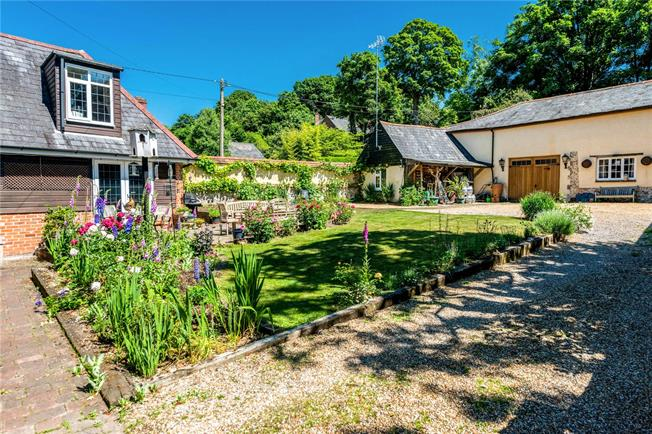 Guide Price £750,000, 4 Bedroom Detached House For Sale in Hurstbourne Tarrant, SP11