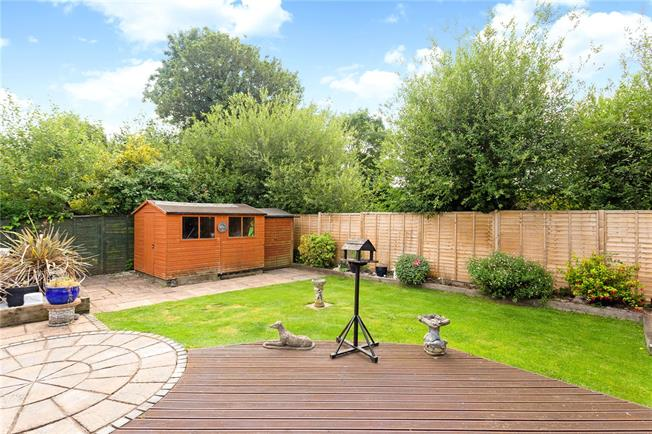 Offers in excess of £525,000, 4 Bedroom Bungalow For Sale in Berkshire, RG14