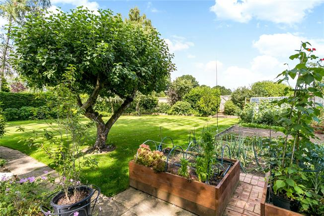Guide Price £785,000, 4 Bedroom Detached House For Sale in Bradfield Southend, RG7