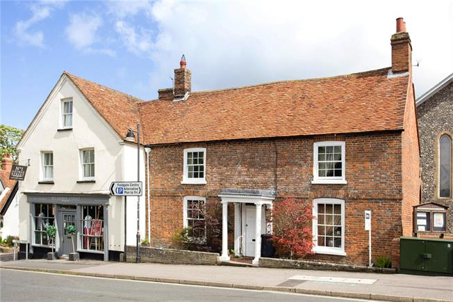 Guide Price £450,000, 3 Bedroom Terraced House For Sale in Kingsclere, RG20
