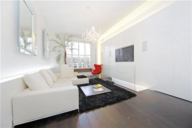 Asking Price £1,500,000, 3 Bedroom Flat For Sale in London, W2