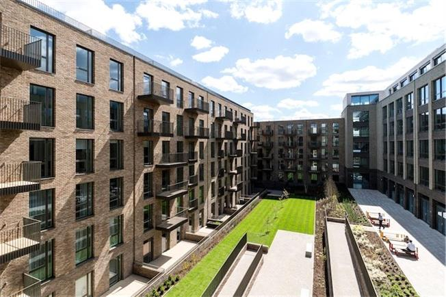 Asking Price £490,000, 1 Bedroom Flat For Sale in London, W10