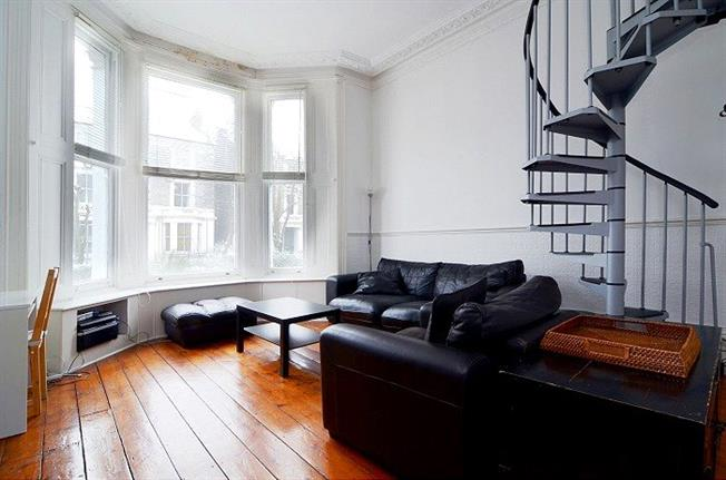 Asking Price £625,000, Flat For Sale in London, W10