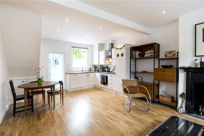 Asking Price £749,999, 2 Bedroom Terraced House For Sale in London, W10