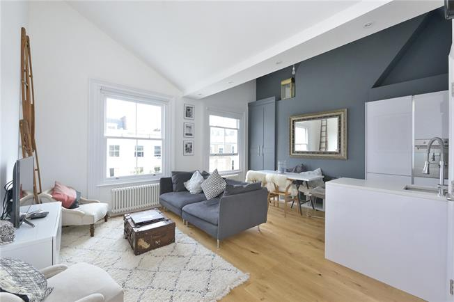 Asking Price £785,000, 2 Bedroom Flat For Sale in London, W9