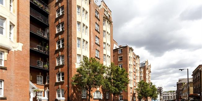 Asking Price £1,550,000, 3 Bedroom Flat For Sale in London, W2