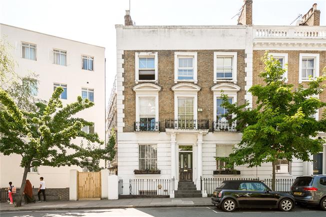 Asking Price £625,000, 1 Bedroom Flat For Sale in London, W2