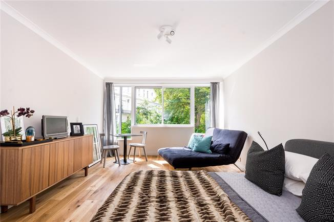 Asking Price £490,000, 1 Bedroom Flat For Sale in London, W11