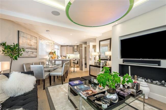 Asking Price £925,000, 2 Bedroom Flat For Sale in London, W10