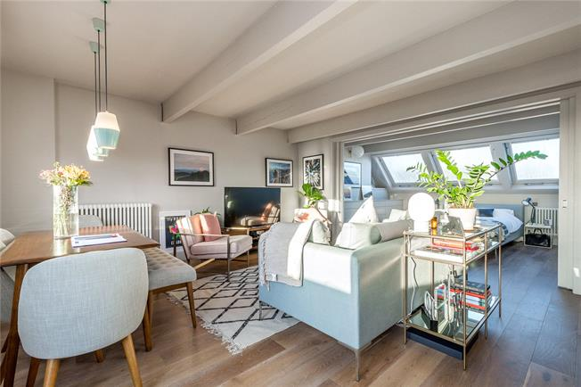 Asking Price £899,950, 1 Bedroom Flat For Sale in London, W10