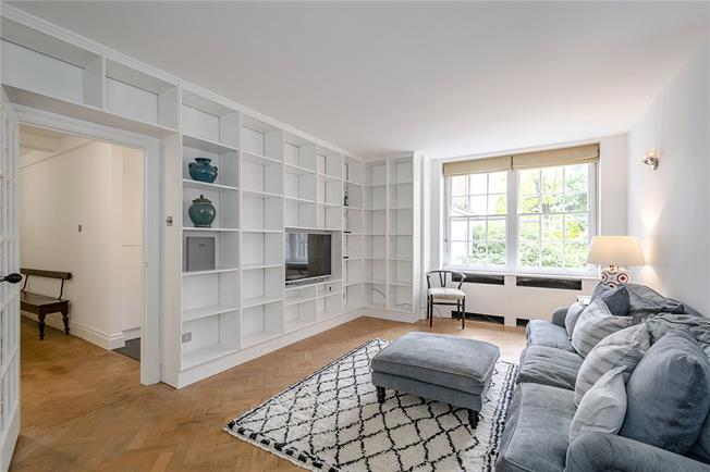 Asking Price £1,195,000, 2 Bedroom Flat For Sale in London, W11