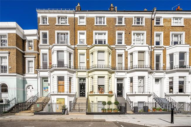 Asking Price £6,750,000, 5 Bedroom House For Sale in London, W11